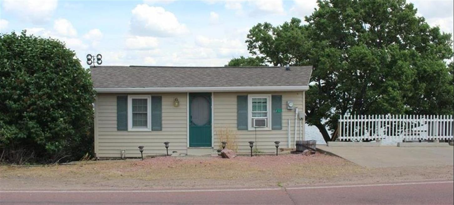 46030 238th St Lake Madison (UNDER CONTRACT)